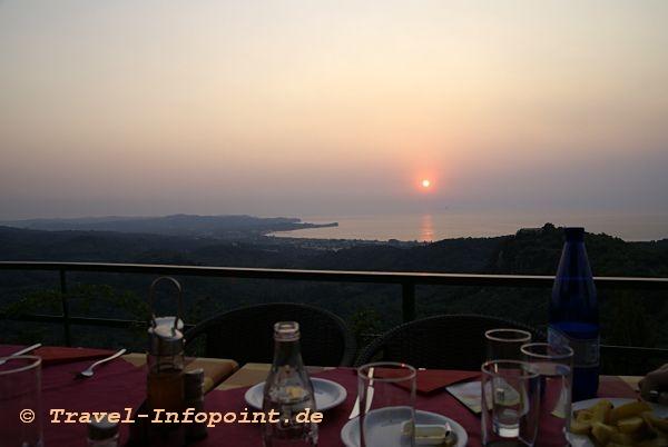 Corfu, Acharavi: Sun Set Taverne