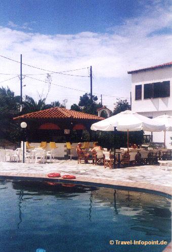 Hotel Mandraki: Pool  (vergrößerte Ansicht in der Bildergalerie 2)
